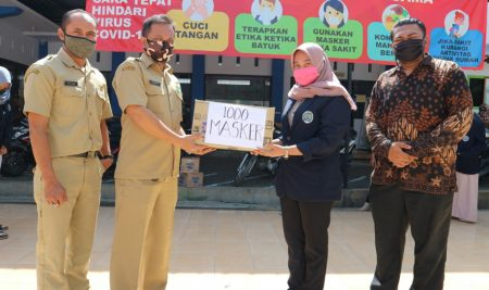 1000 Masker untuk Warga Desa Ngadilangkung