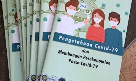 KKN Desa Blayu Luncurkan Buku Panduan Covid-19 Bergambar